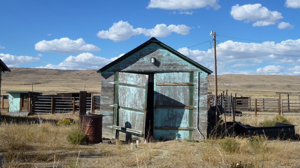 Wandering wind-whipped Wyoming …and wienies…
