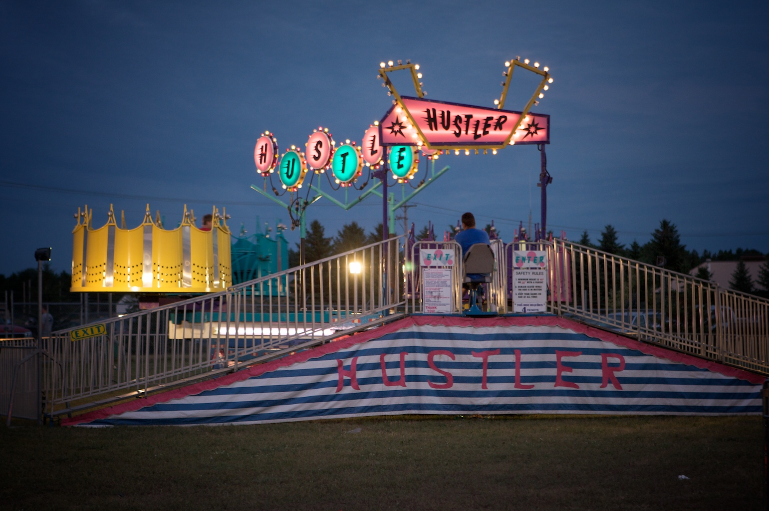 A carnie convention and Giant's boot!