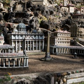 Ave Maria Grotto – Small buildings make a big impact