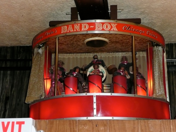 Luigi's – Mechanical Barbie and the Band of Many Kens